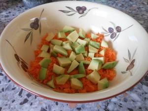 Avocado met geraspte wortel